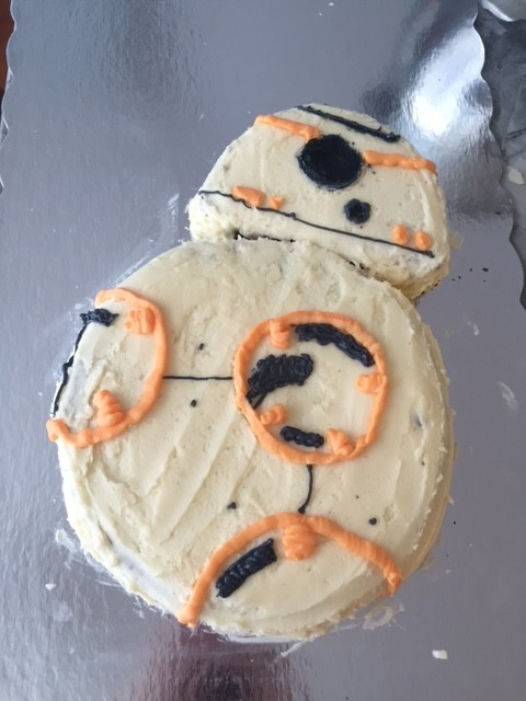 bb-8 cake made with buttercream