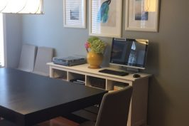 Small home, creative solutions – Dining room entertainment area