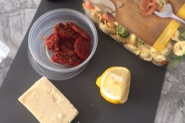 Easy 10-minute meal: Pasta with lemon and sundried tomatoes
